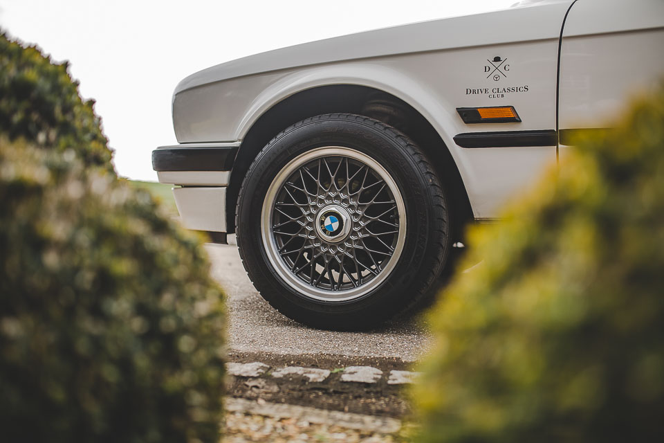 BMW 320i Convertible e30 for sale (16 of 69)