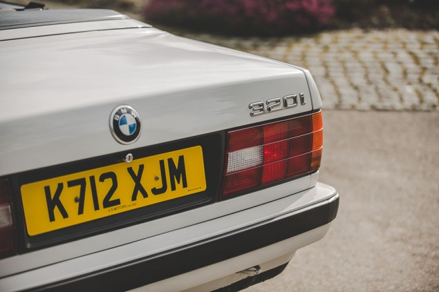 BMW 320i Convertible e30 for sale (19 of 69)