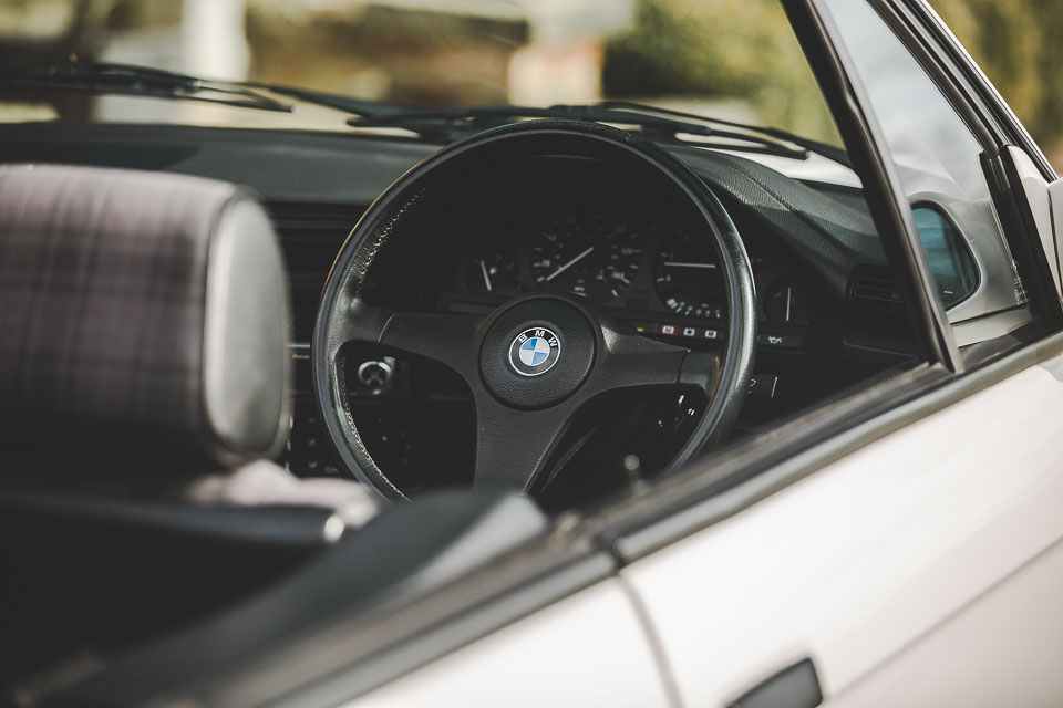 BMW 320i Convertible e30 for sale (23 of 69)